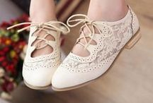 Shoes / by Mireya Juan