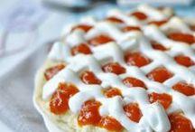 Cakes and desserts / by Boglárka Nagy