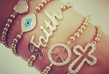 Accessories  / A girl can never have too many accessories =) / by Tetranique Sanders
