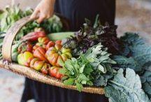 Farmer's Market Table Ideas / by Sandy W