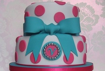 BEAUTIFUL THEMED CAKES / by Julie Allred