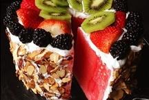 Delicious Desserts to Devour / by Alicia Fortie