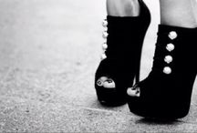 scarpe...scarpe...scarpe / by Cloo Peccable