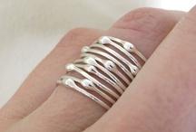 Silver...love it / by Dareth Peterson