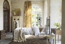Bedrooms / by Betina Reali