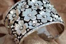 Jewelry & Bling - Yea! / by Linda Weatherly