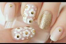 Nails! Nails! Nails Galore! / Nail art & Nail art tutorials / by Yami Colmenero