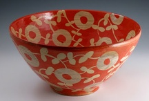 Ceramic Bowls & Servers / by Rita Tangueray