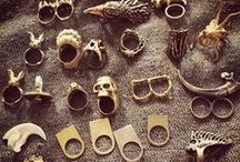 accessories / by Yasmine Mazz