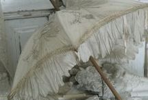 ❋ Vintage Umbrellas ❋ / by Marion Brocant'elle
