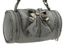 Handbags / by Monique Chilelli