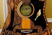 Toca La Guitarra / by Laura Mars
