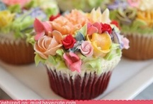 Cupcakes & Muffins / by Janis Oncay