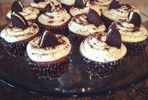 Favorite Desserts / by Krystal Russo