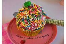 ❤ Cupcakes  / I   cupcakes! / by Melike Celebi