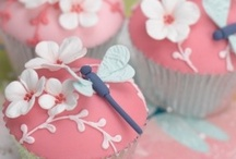 cake decorating / by Kara Royston