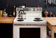 Kitchen / by Elisa Beretta