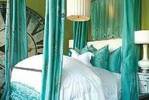 BEDROOM: M. bedding ideas / Ideas for decor centering on bedding for Master bedroom / by Suzi Corwith