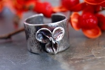 Making Metal Jewelry / by Interweave