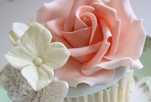 Cupcake ♥ Inspiration / These are cupcakes with no recipes~just beautiful to look at! / by Dinah Roberts