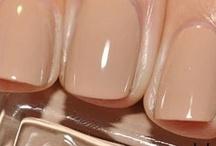 nails / by Kristen Rettig