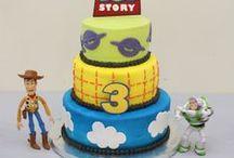 cAke caKe CAKE! <3 / by Daniela Tovar