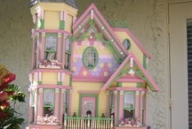 Dollhouses and Miniatures / by Pamela Neill