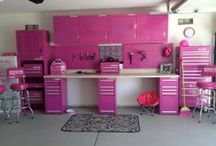 An Organized Garage/Storage / by Kelly Lemmons