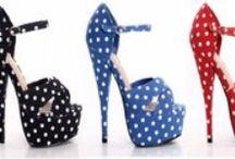 Shoes / by Cassaundra Thompson