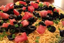 foods and drinks / by Maci Prejean
