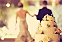 Love & Weddings / by Emily Haynes