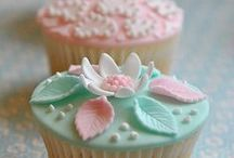Cakes and cookies / by Lisa Bedwell