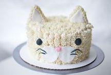 Cakes / by Katiana López