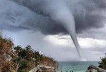 2012 Storm chasing / by mªdcªtj0 2.0