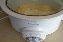 crockpot recipes / by Marina Kutsch