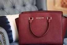 Handbags / by Patricia Paredes
