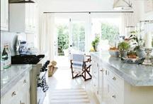 Kitchens / by Maggie Allen