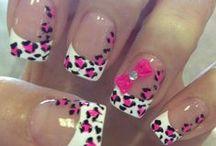 Nails♥ / by Chuchi H