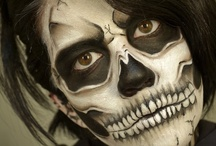 Black White Halloween / by Tana Holly