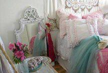 """Shabby Chic"" Bedrooms / Sleep like a princess! / by Susan Malkan"