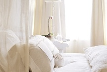BEDROOM INSPIRATION / by MARTHA LUCIA AGONH