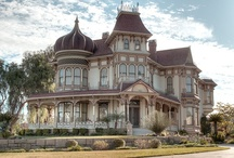 Victorian Homes / by Tammy Lanclos