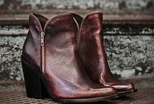 Shoes / by Jordyn Prince