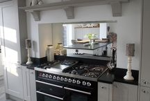 Traditional kitchens / by Hazel Bond