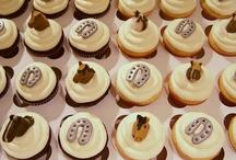 Cakes/Cupcakes / by Glenda McCoy