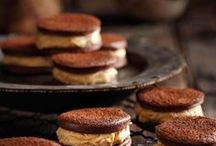 Peanut Butter. Chocolate. / peanut butter and\or chocolate based recipes.. / by Evelina Noni