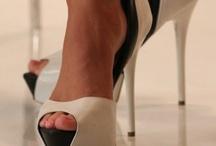 Black & White Shoes / Souliers noir & blanc / by MariKamo Design