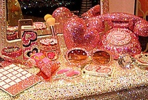 Glitter, Glam ,Bling,Bling,And Sparkly Thing's Are Awesomeness!! / by Shannon Graham