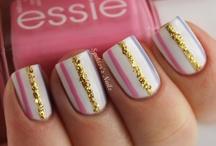 cute nails / by Broghan Schlicher