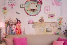 Simply Beautiful Interiors / by PartyMaketsy
